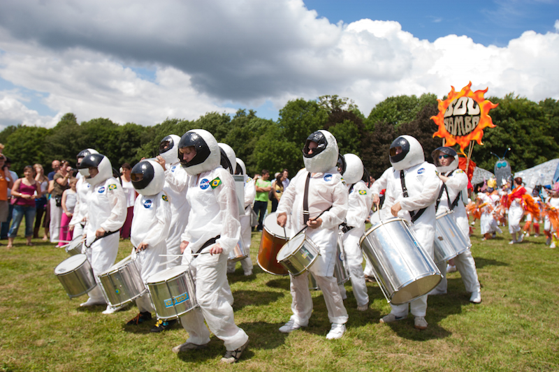 Sol Samba dressed as astronauts